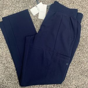 Figs NWT Loretto size SMALL NAVY